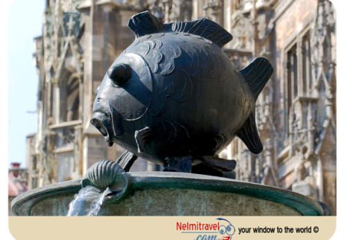 Marienplatz,Fish Fountain,Tourist attractions in Munich; Fischbrunnen; Fish Fountain Munich;