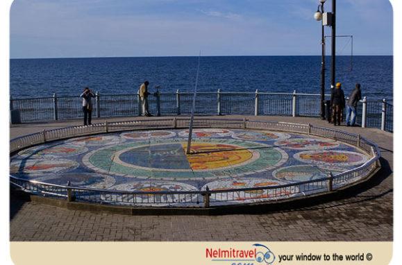 sundial Svetlogorsk, sundial, mosaic sundial, Svetlogorsk travel guide;